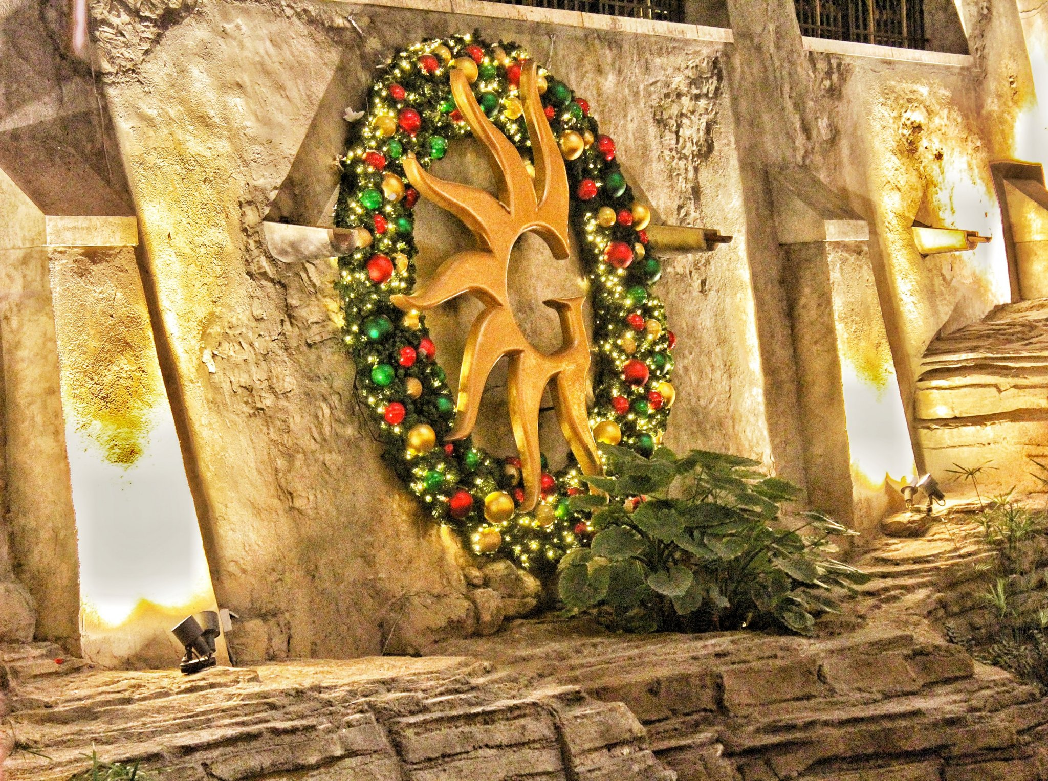 Gaylord Texan Resort Hotel & Conference Center Celebrates a Lone Star Christmas