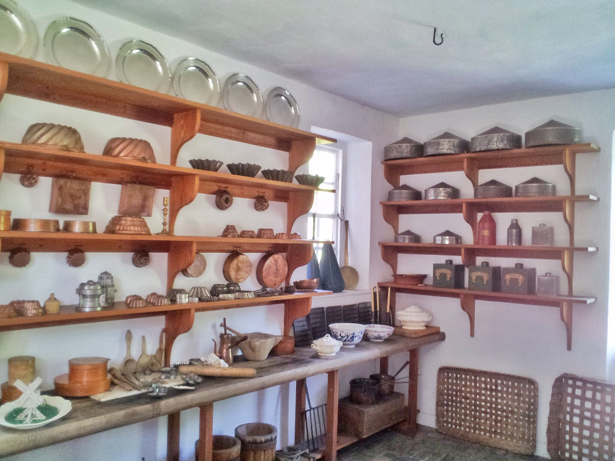 Plates, Plates, and Plates in Colonial Williamsburg