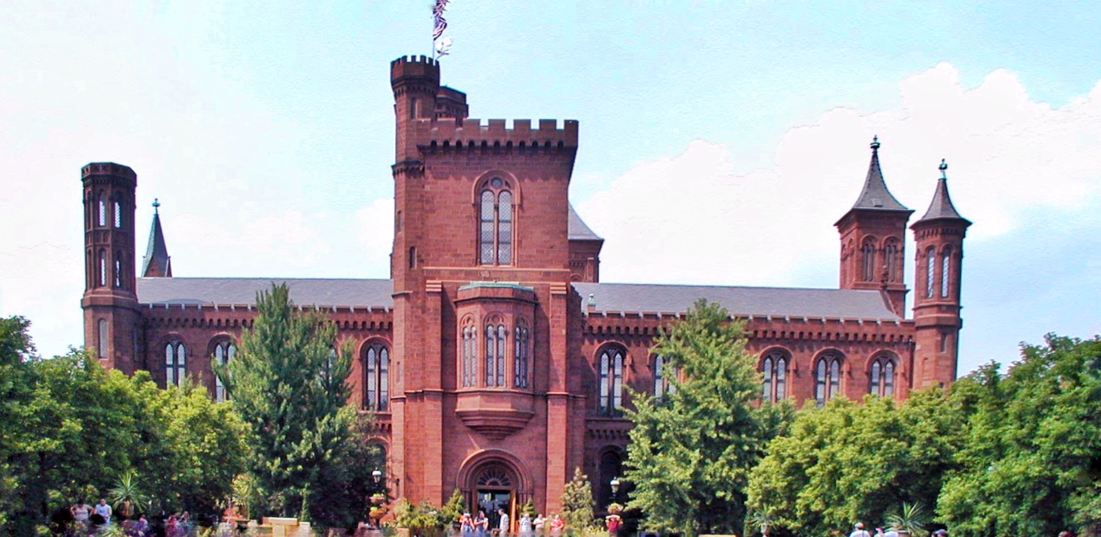 Guide to the Smithsonian: The Smithsonian Institution , AKA castle, has a distinct red facade.