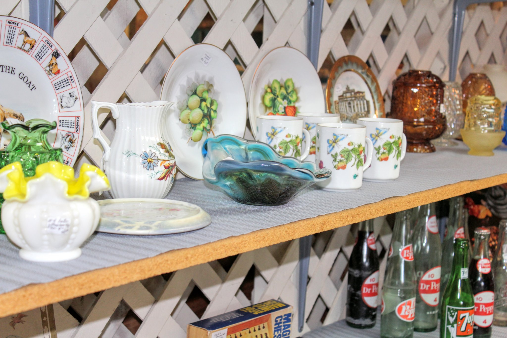 Offbeat Things to Do in Amarillo: Antique Plates