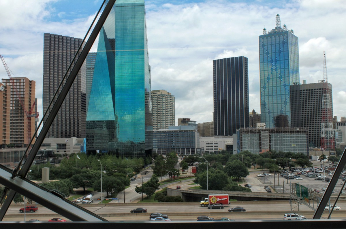 Must Have Road Trip Apps: Dallas Skyline