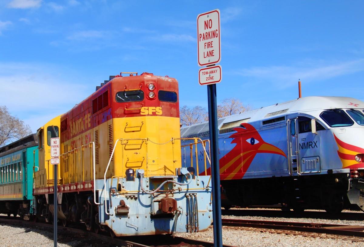 GuideToSantaFe'sRailyard-Trains