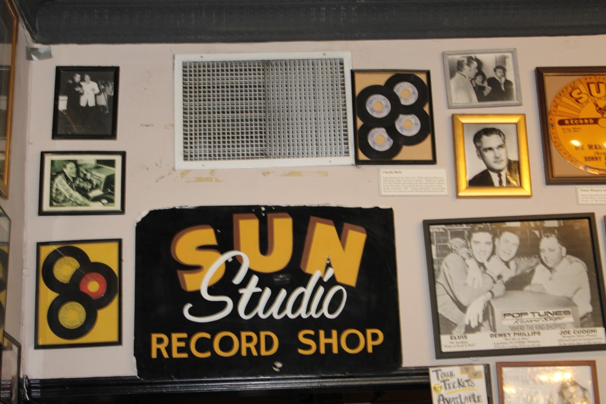I'll Stay in Memphis: Sun Studios Entrance