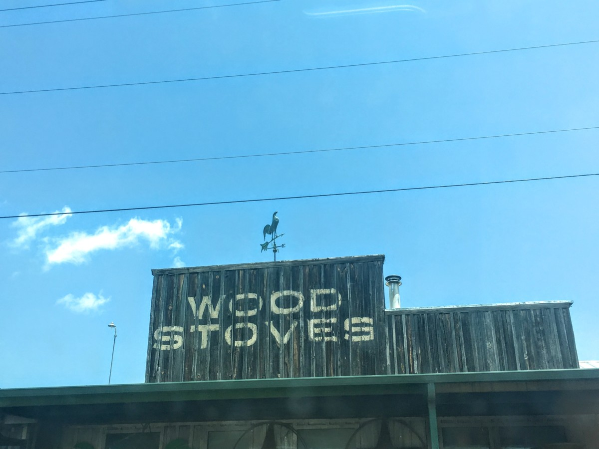 Best place to eat in Weatherford TX has to be the shed (inside David's Stove Shop) - pocket guide to Weatherford TX