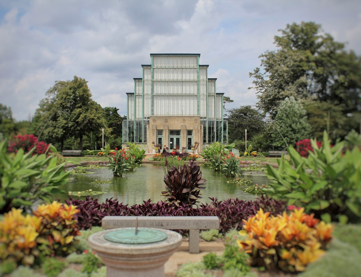 Guide to Forest Park St. Louis Look at the Facade of the Jewel Box Cantilevered Glass and Pretty Flowers in front of the Greenhouse