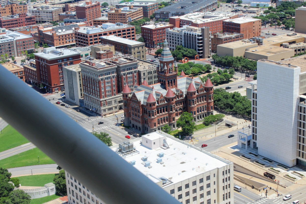reunion-tower-in-dallas-dealey-plaza-view