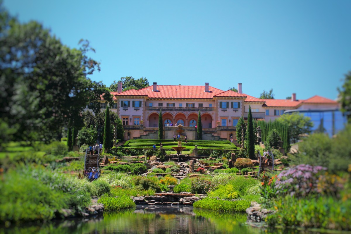 Top 5 Things to Do in Tulsa Oklahoma Visit the Philbrook Museum, a giant mansion converted into an art museum with an oh-so pretty luscious green landscape!