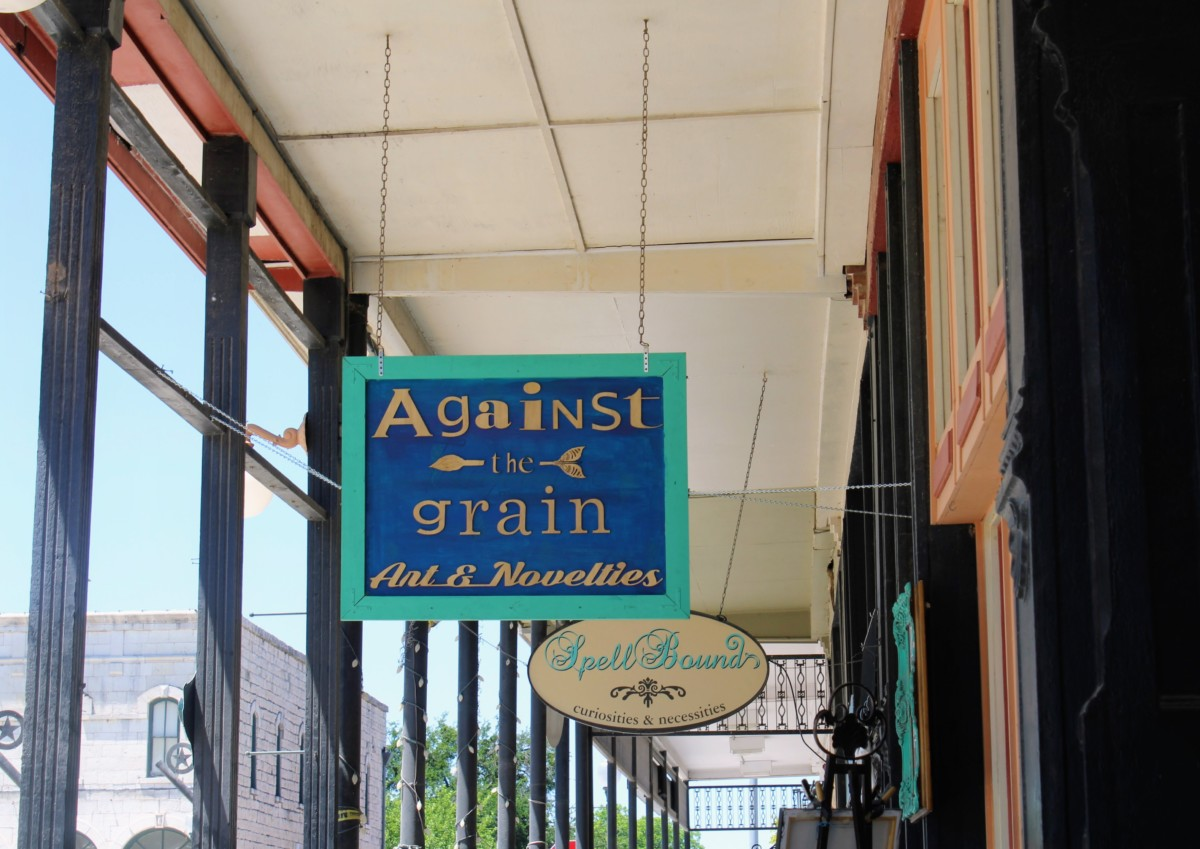 Guide to Granbury: Against the Grain sign