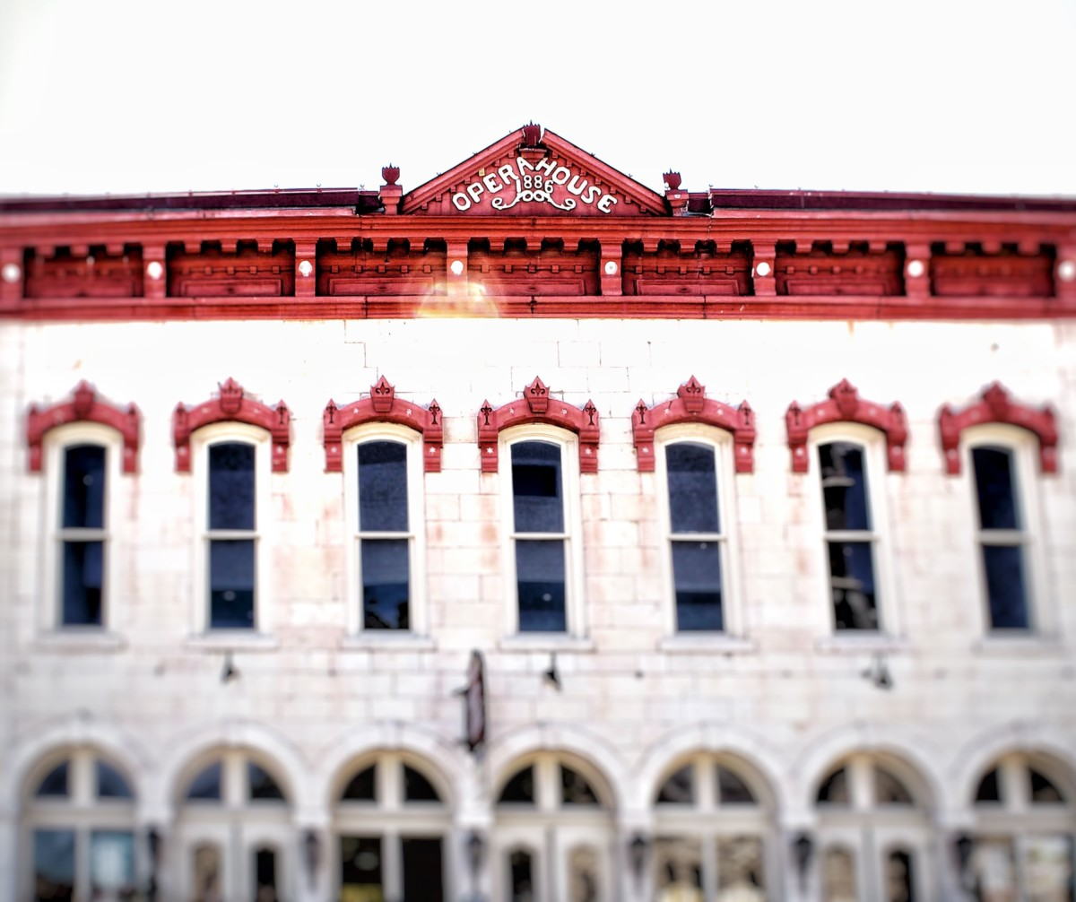 Guide to Granbury: Opera House
