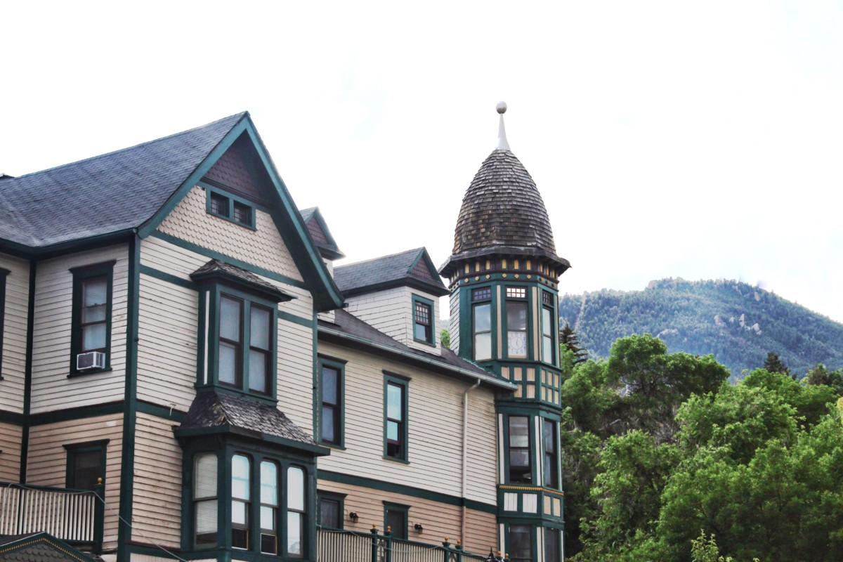 Guide to Manitou Springs in 24 hours