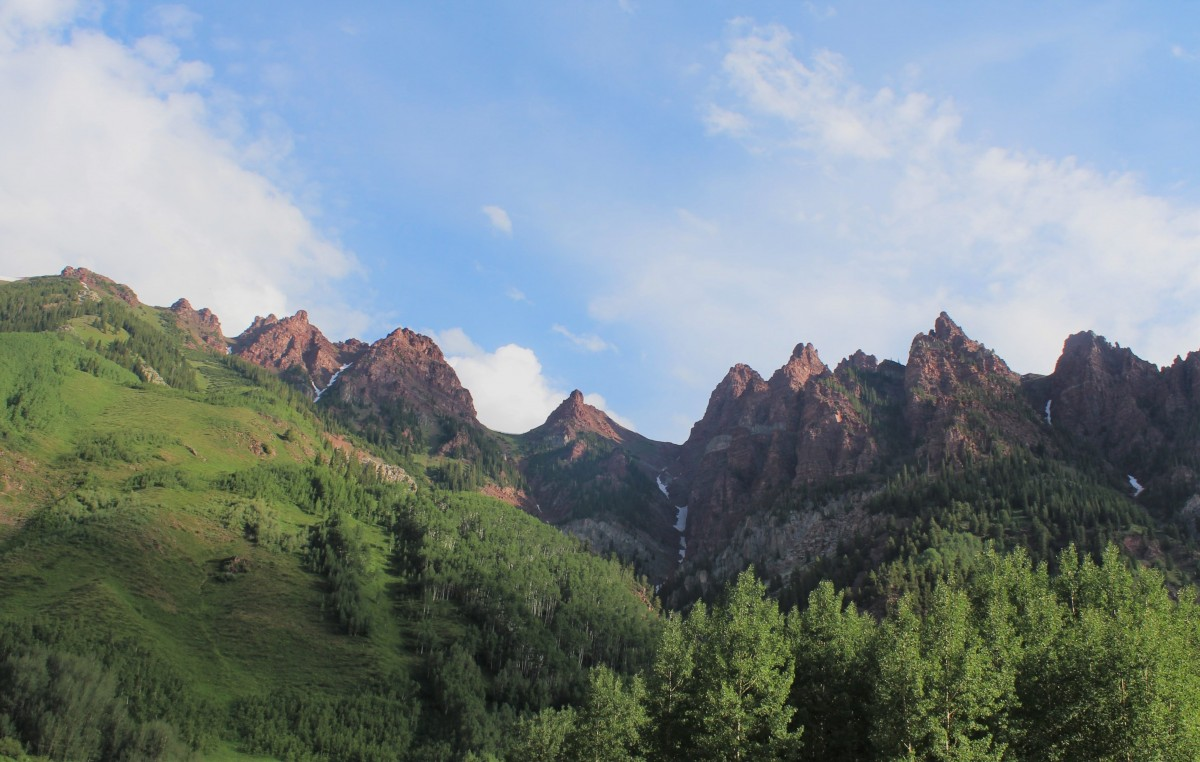 View from Maroon Bells mirror lake