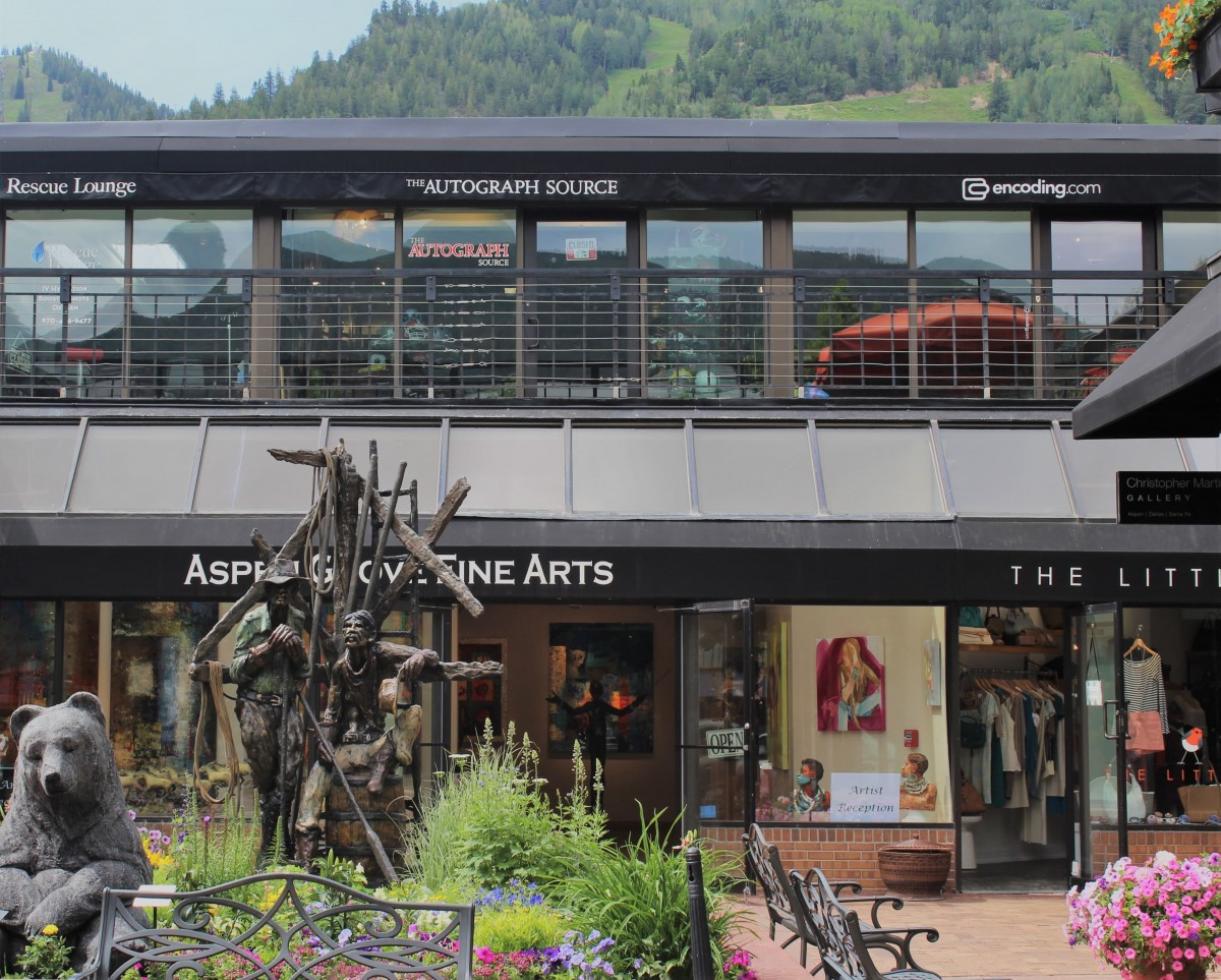 Aspen Fine Arts Studio entrance (statues of a bear) from Ink Seating area