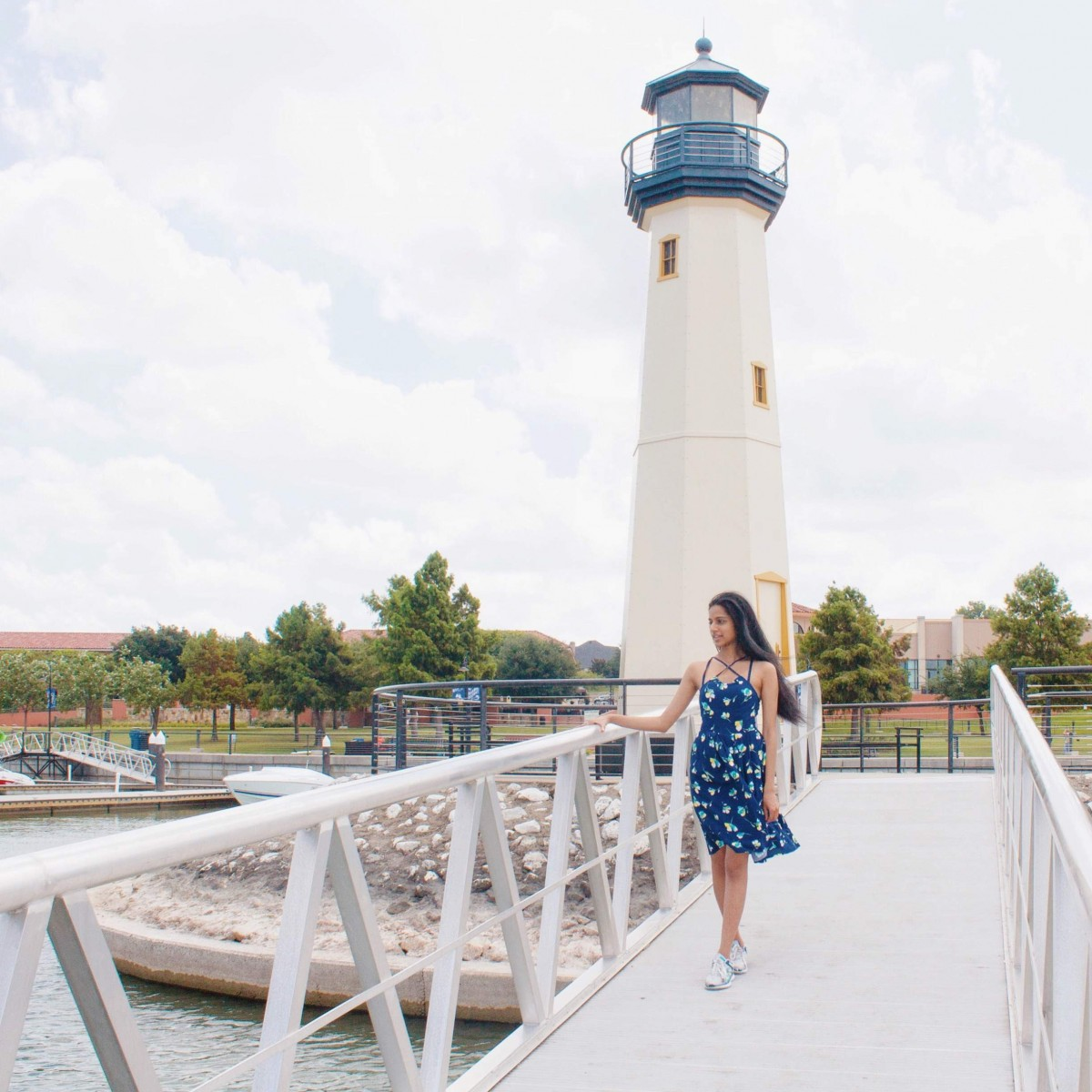 Guide To Visiting Rockwall Harbor: Where To Eat, Shop, and