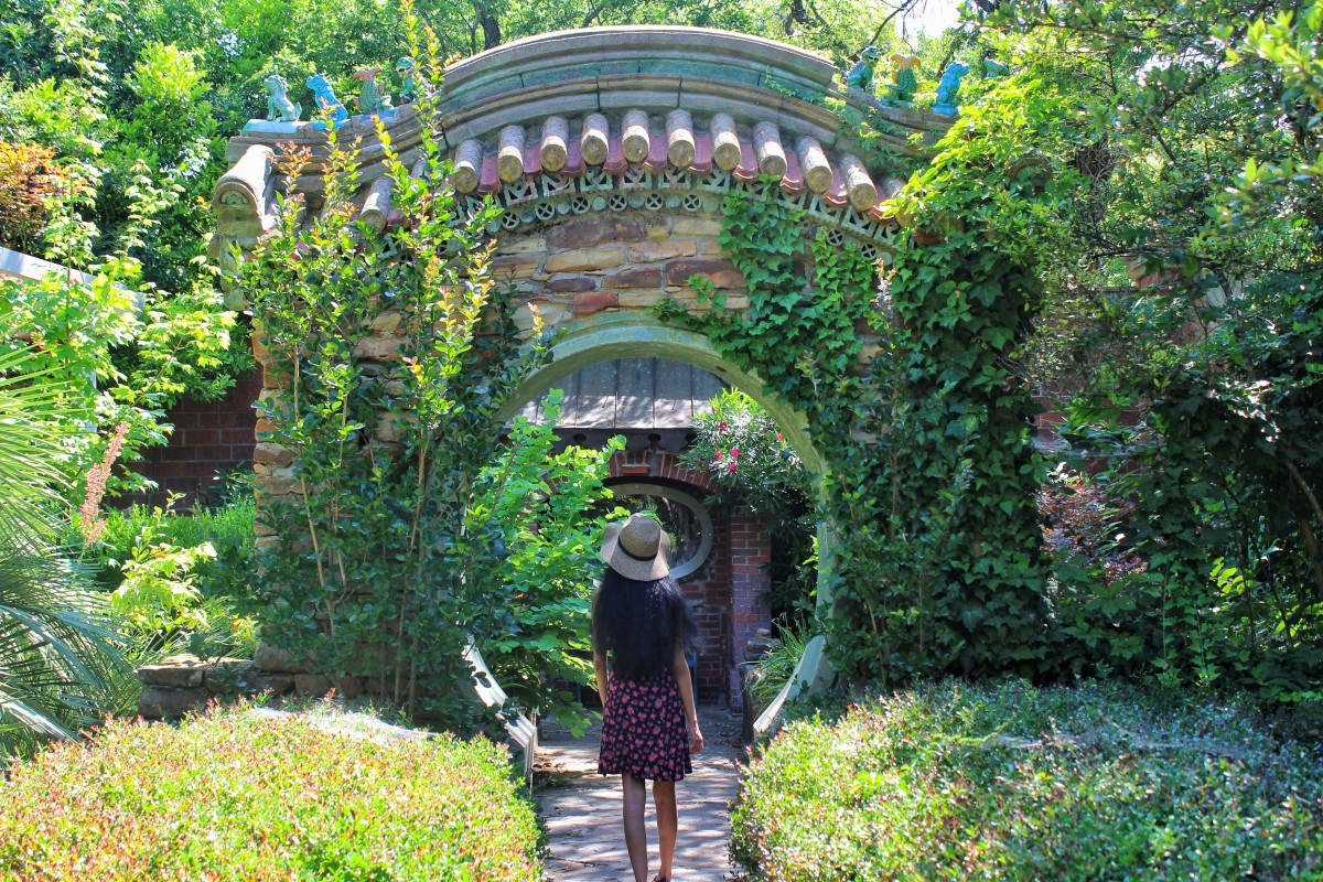 Weatherford is one of the best small towns in Texas with gorgeous I-can't-believe-this-is-real gardens.