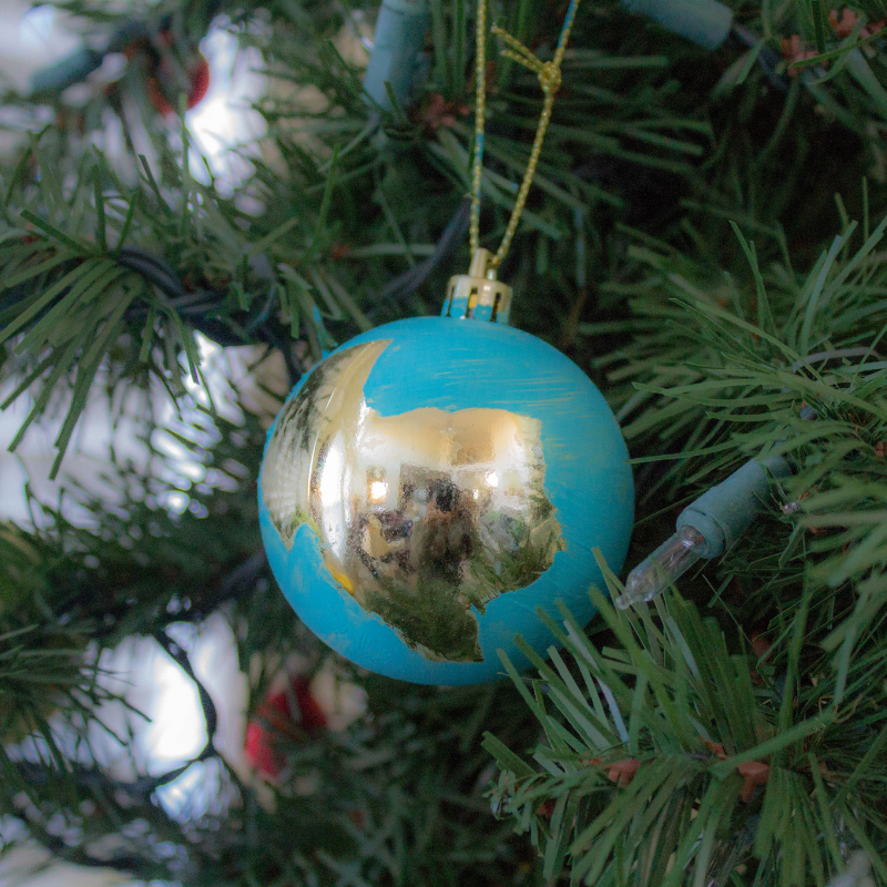 Travel Christmas Tree: DIY Travel Christmas Ornaments And More