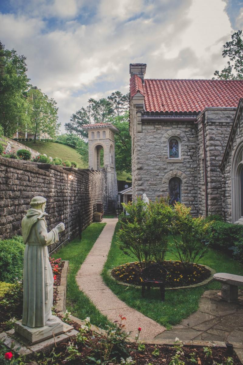 Stunning Garden At St Elizabeth Catholic Church