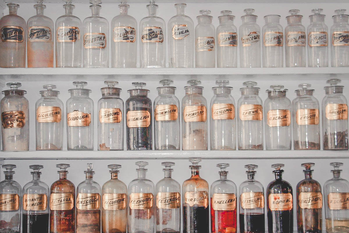 picture of old bottles in Alexandria Virginia, one of the most historic small towns in Virginia