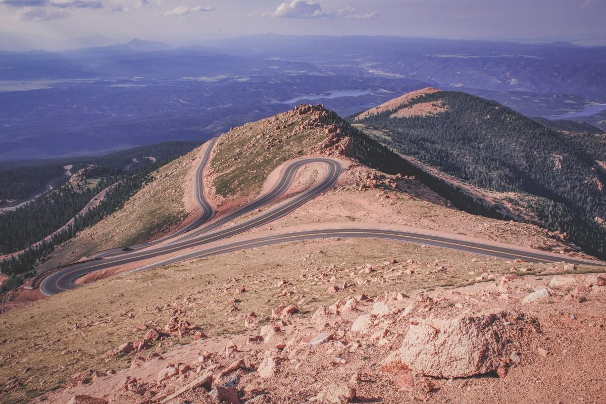 The winding road of Pikes Peak