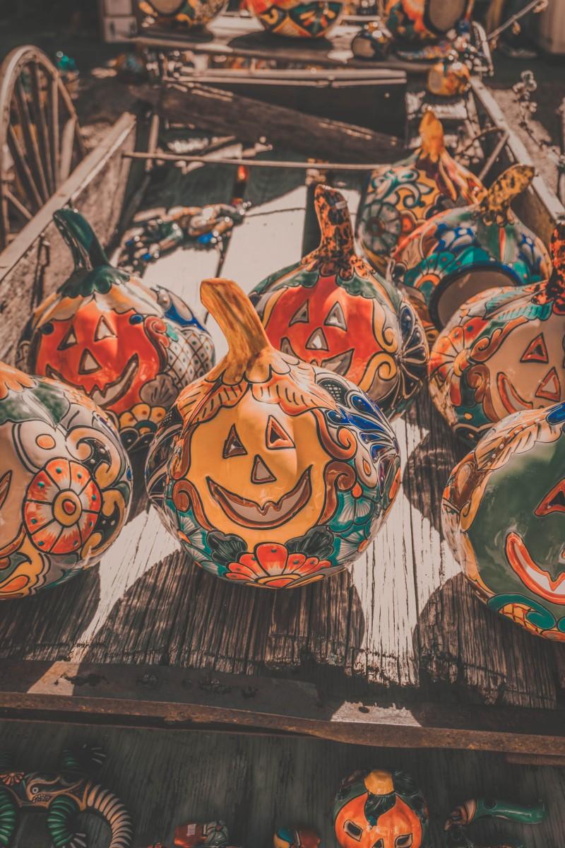 fall in Santa Fe sees pumpkin head pottery ware at the Farmer's Market
