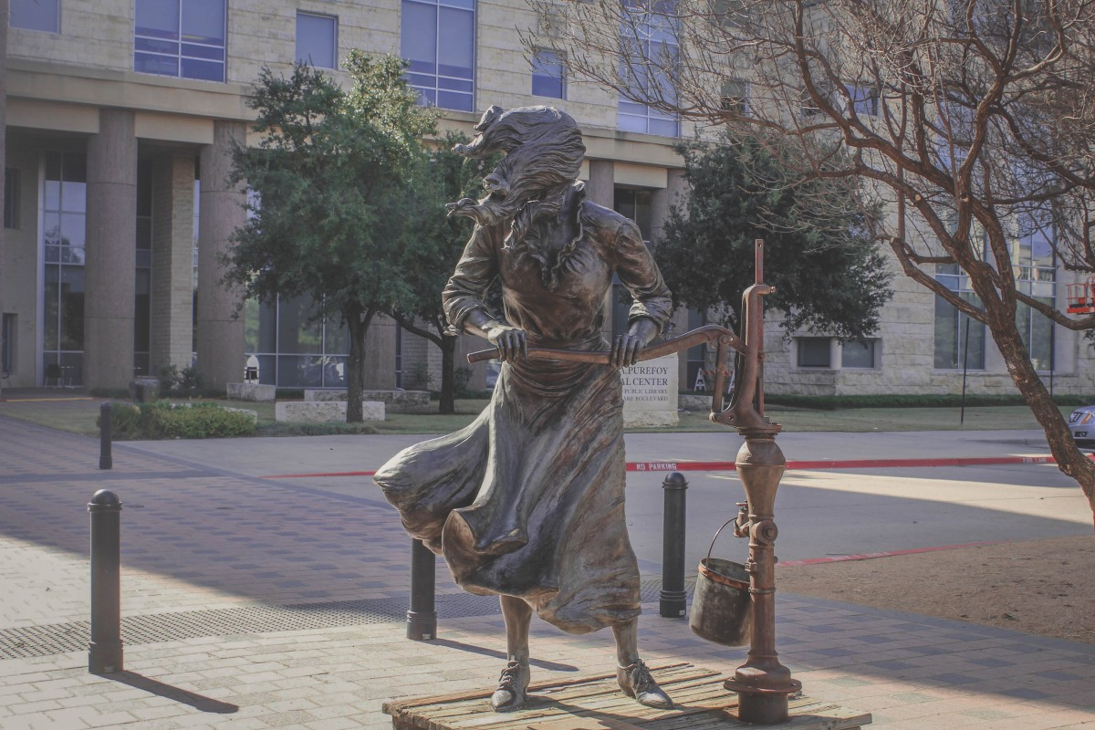 Girl water statue in Frisco