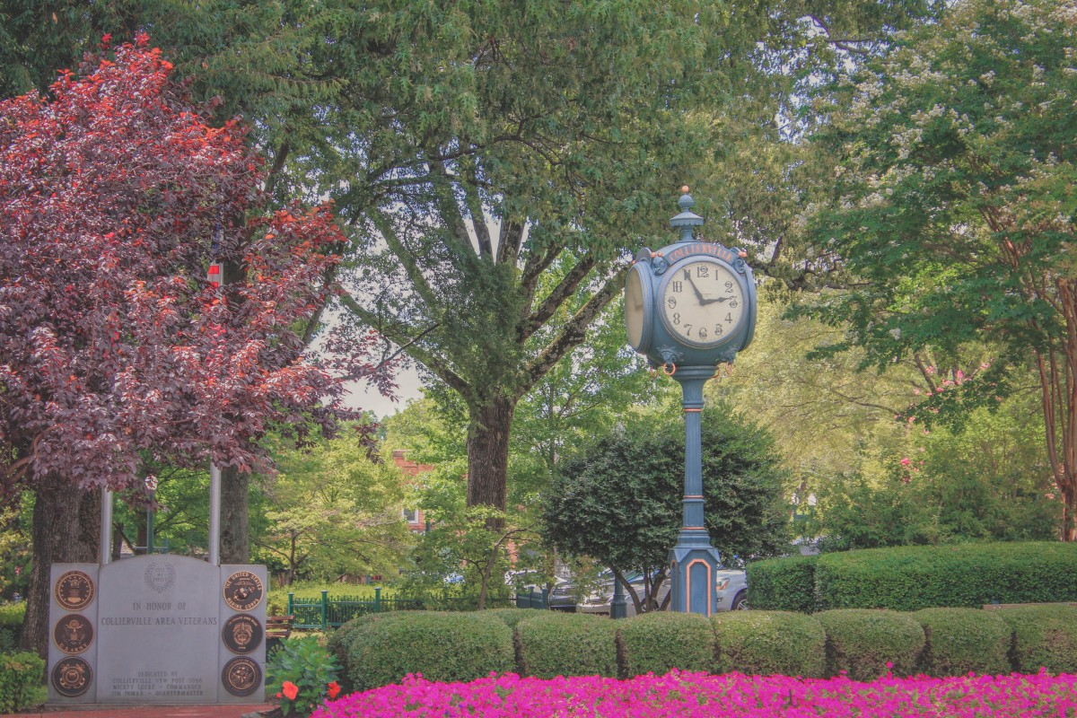 cute antique clock in Collierville, TN