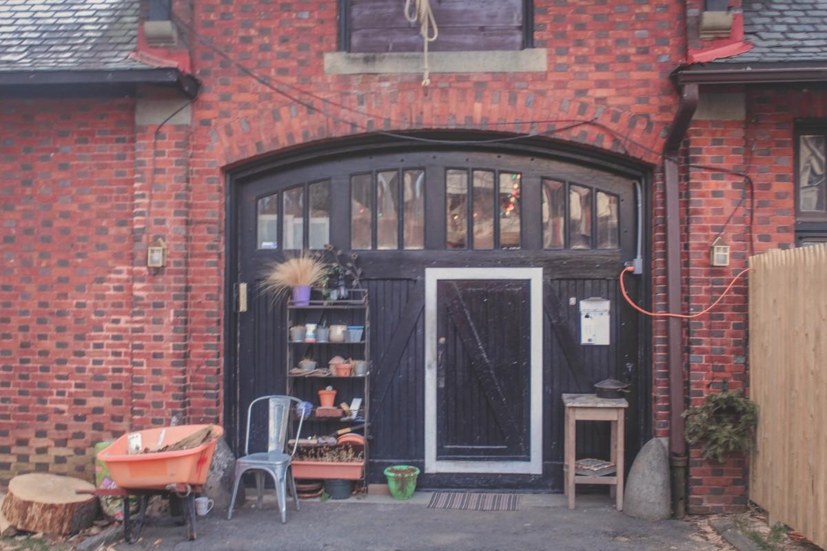 Philadelphia Airbnb old brick exterior