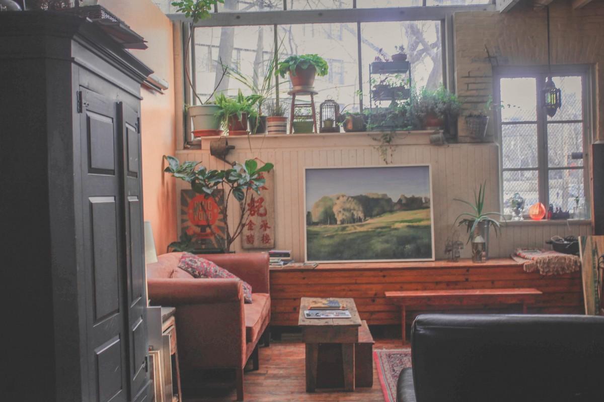 Philadelphia Airbnb living room