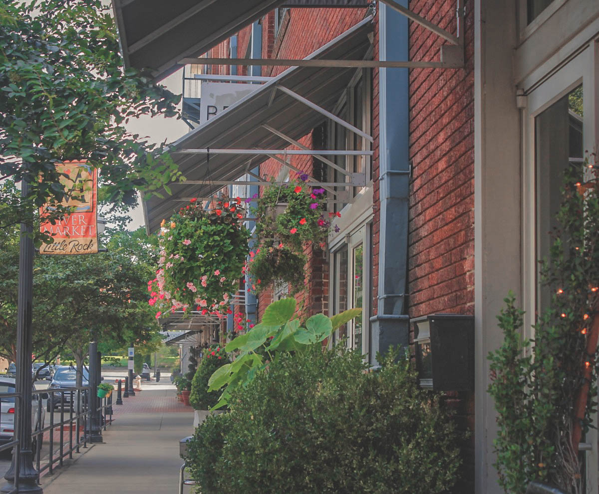gorgeous street for shopping, one of the most popular things to do in Little Rock