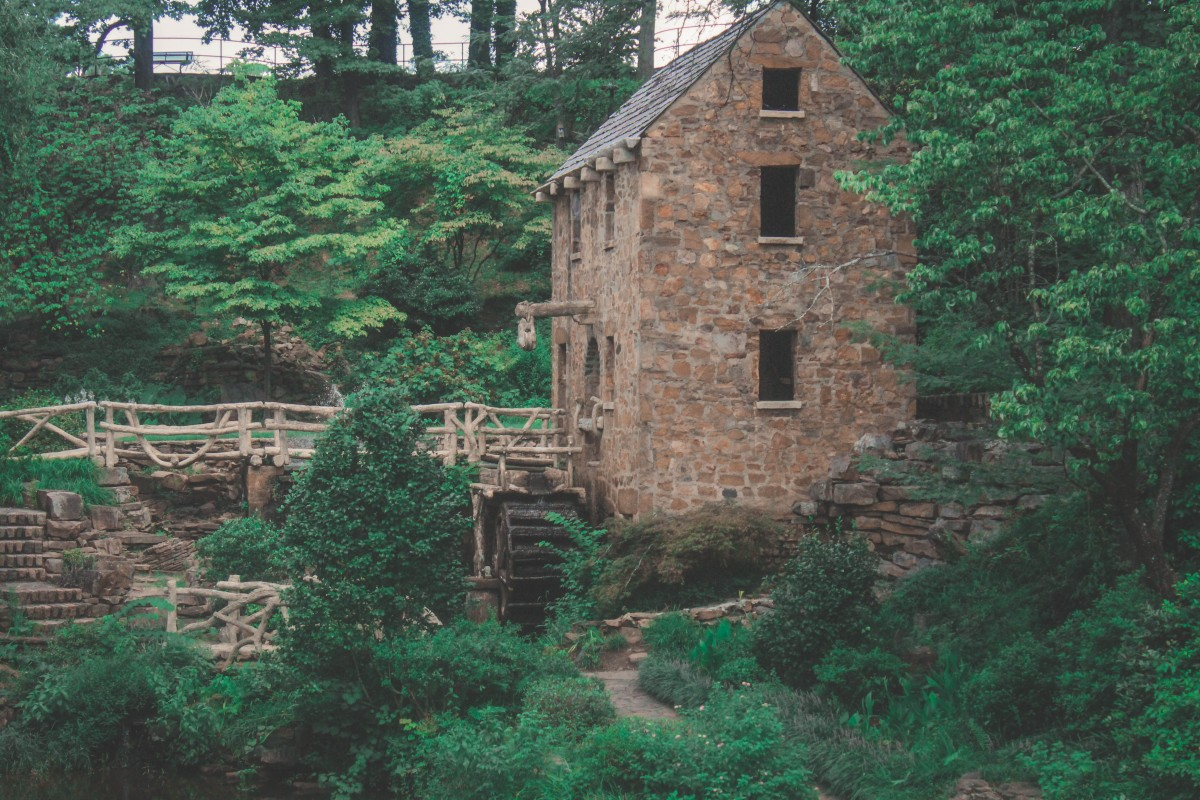 visiting the Old Mill is one of the top things to do in Little Rock surrounding areas