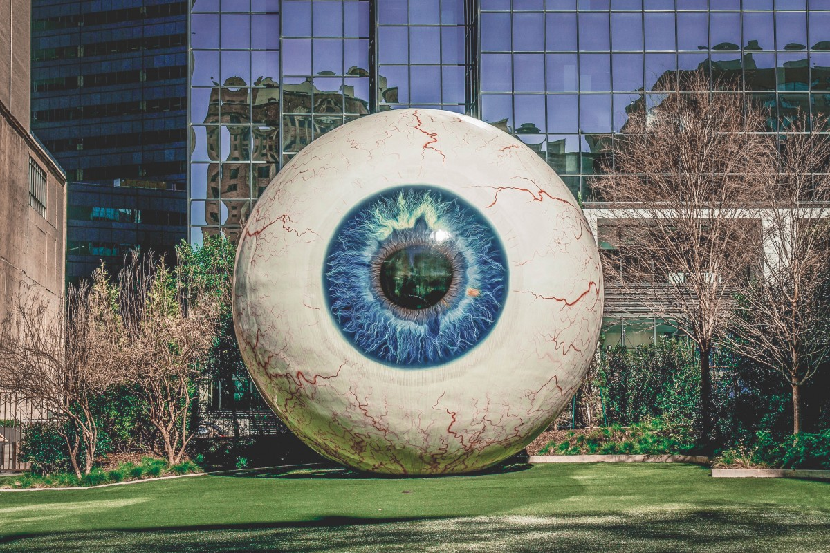 giant eyeball by Tony Tasset in Main Street District in Dallas