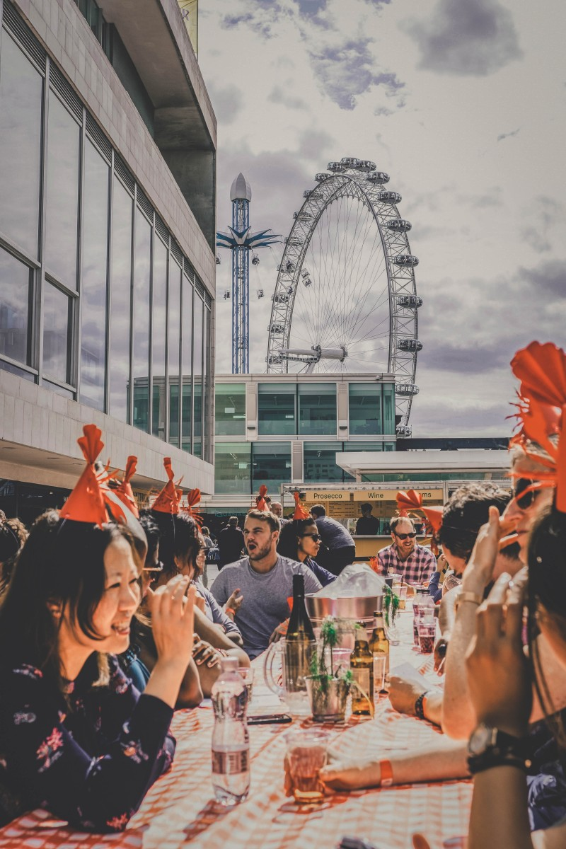 Party cities - Lobster party in London, England