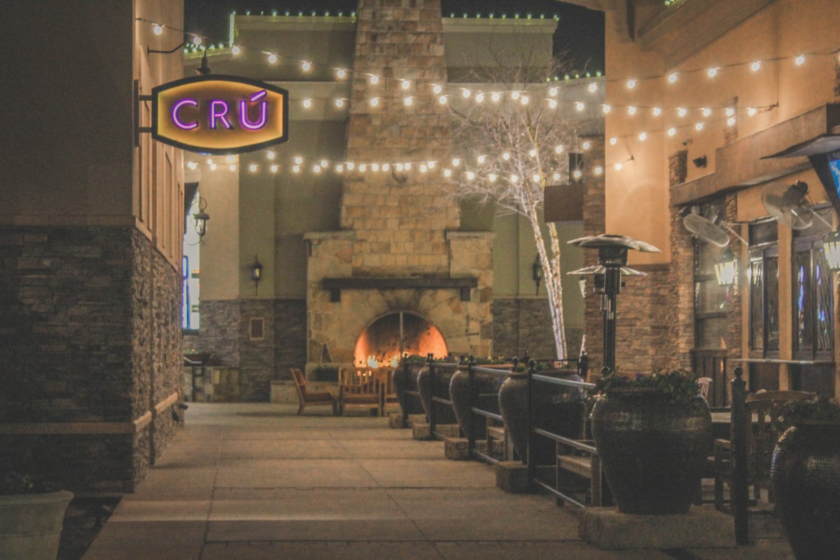 Cru Food and Wine Bar, a date night restaurant in Allen, Texas