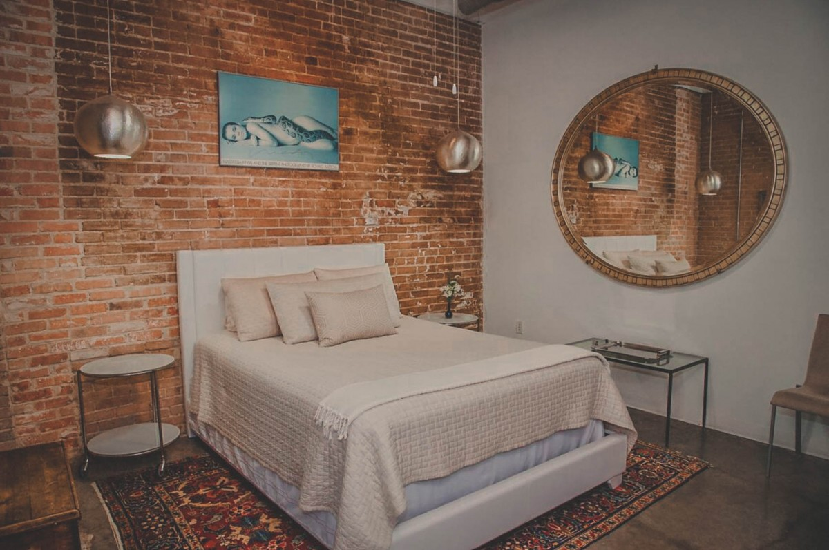 Airbnbs In Dallas - Suite Loft photo via Airbnb