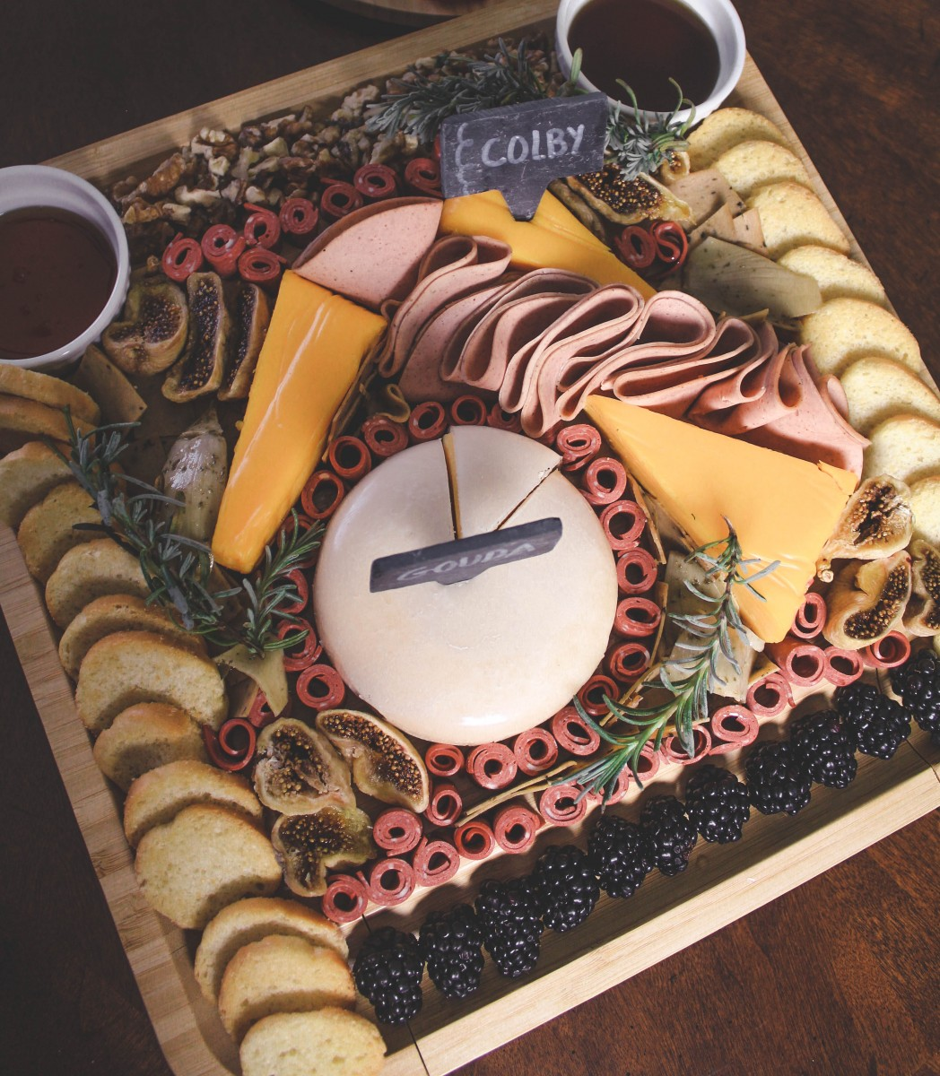 overview of vegetarian charcuterie board plating - plating ideas