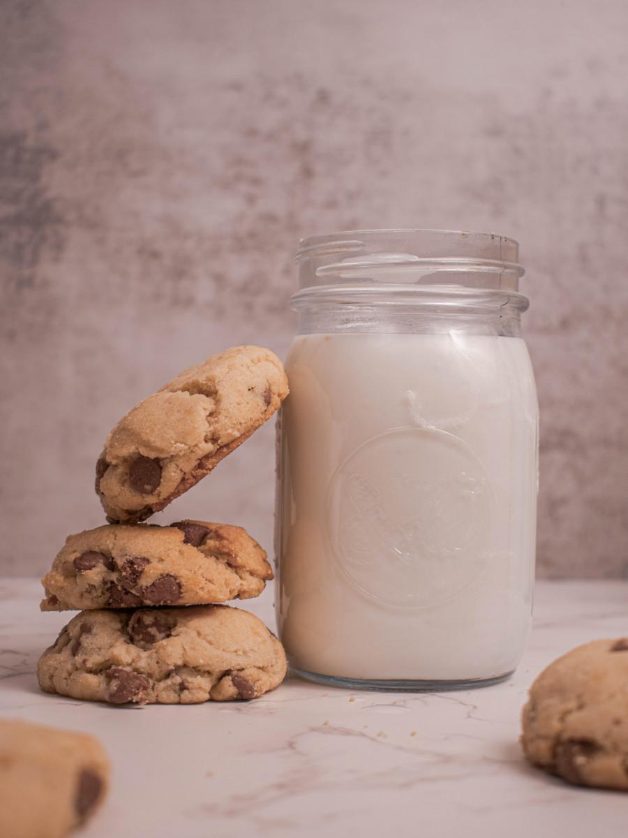 milk that looks like sunflower milk and cookies