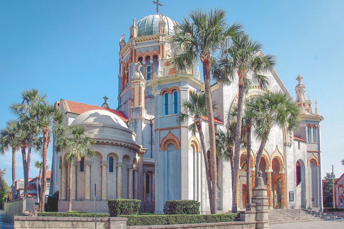 things to do in St. Augustine: visit Memorial Presbyterian Church